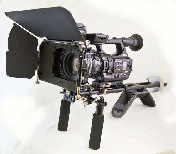 Sony PMW-200 montada con un kit de Genus
